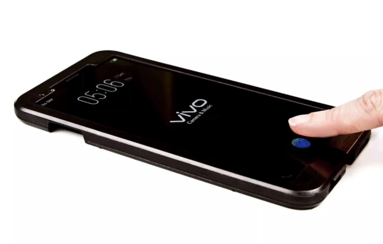 Сканер отпечатка пальца вдисплее Vivo Х20 Plus навыставке CES 2018