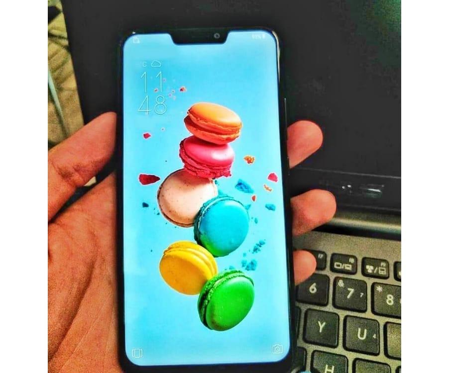 Обнародованы первые фото «двойника» iPhone XотASUS