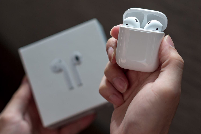 Apple работает над 2-мя новыми версиями AirPods