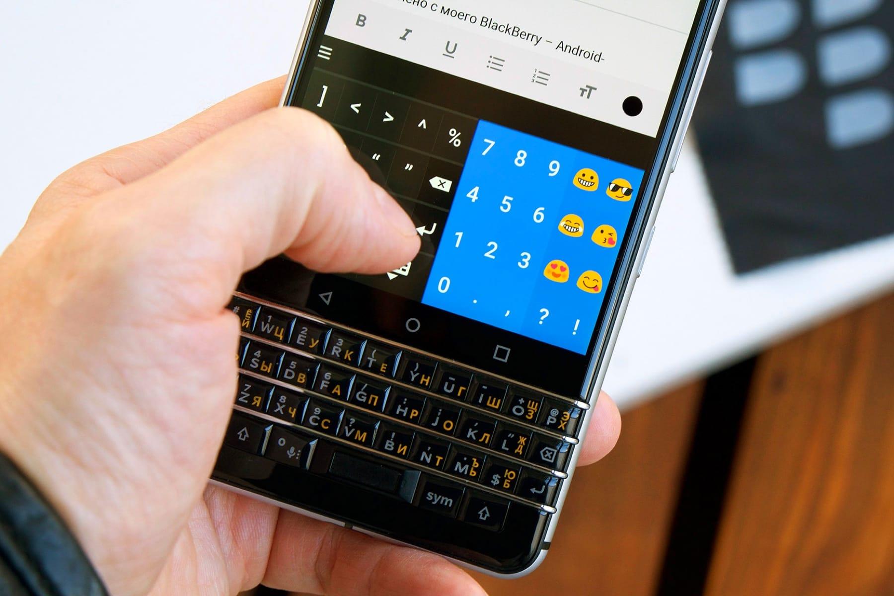 0 Black Berry Ghost – безрамочный смартфон премиум-класса с двойной камерой на Android 8.1 Oreo