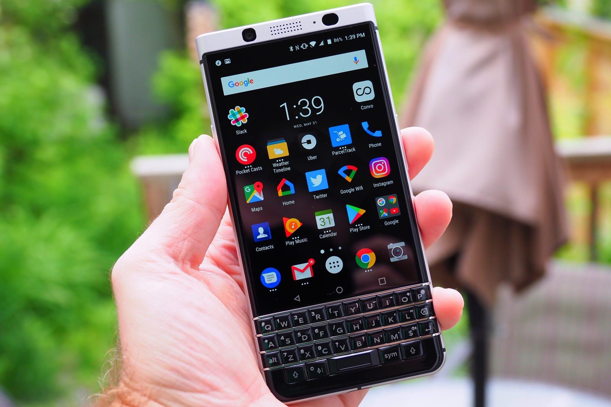 ВСеть слили рендеры нового безрамочного телефона Blackberry Chost