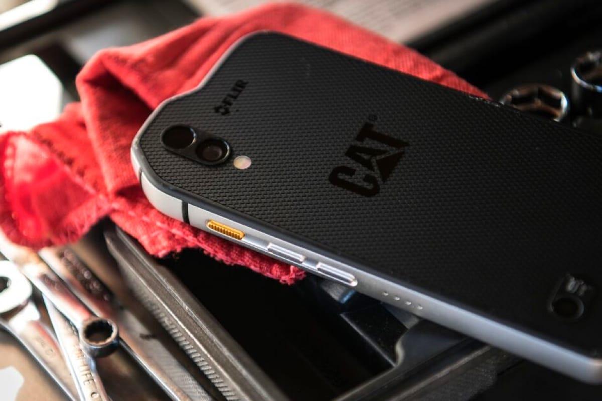 Защищенный смартфон CAT S61 получил усовершенствованный тепловизор