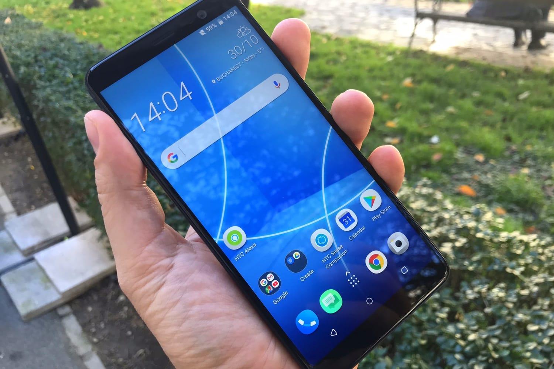 HTC показала безрамочный смартфон U12 доанонса
