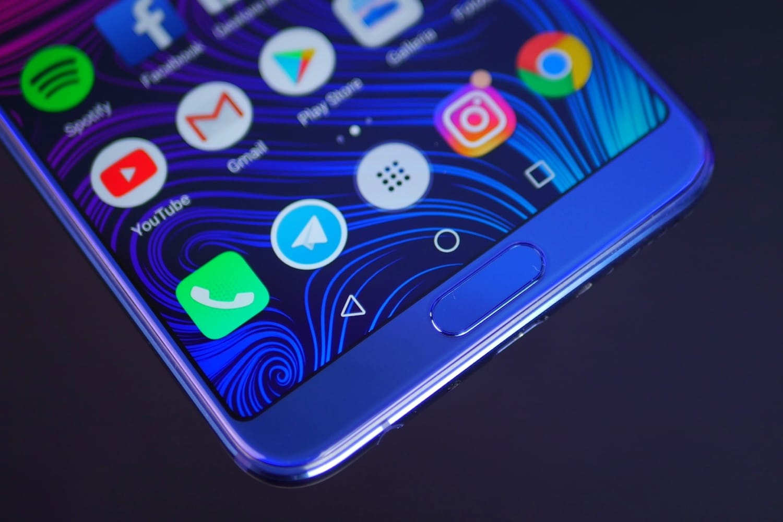 Специалисты поведали, почему глобальный рынок телефонов уменьшился в предыдущем 2017