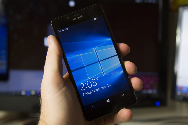 Хакер сумел загрузить Windows 10 ARM напрототипе Lumia 950