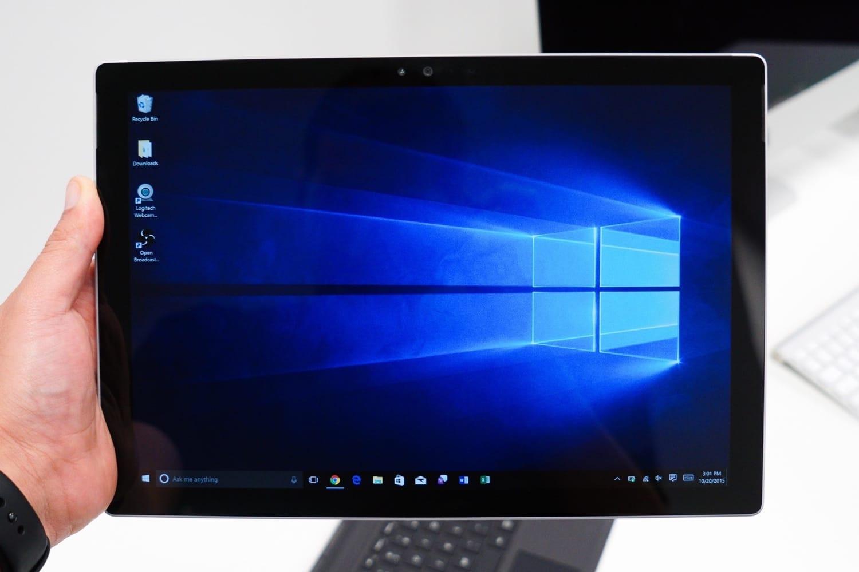 Владельцы Surface Pro 4 решили проблему мерцания экрана заморозкой планшета