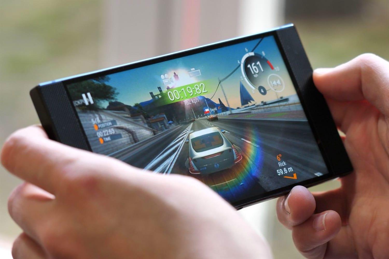 ASUS может выпустить под брендом Republic ofGamers игровой смартфон