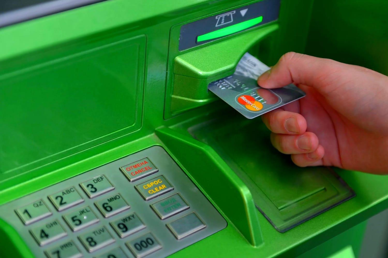 ФАС поддержала внедрение вРоссии сервиса снятия наличных накассе магазина