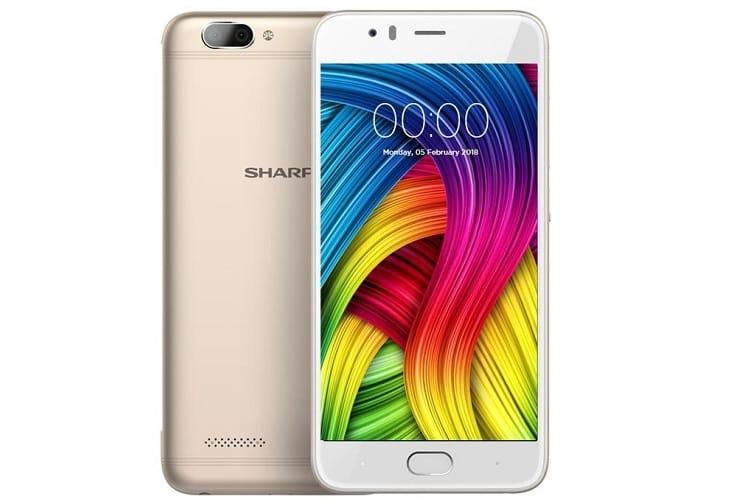 Sharp анонсировала дешевый смартфон сосдвоенной камерой