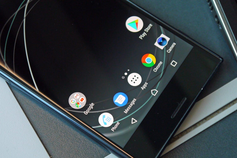 Слухи. Сони готовит смартфон Xperia XZ2 Pro с экраном 18:9