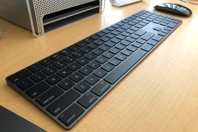 Apple открыла отдельные продажи клавиатуры имышек цвета «серый космос»