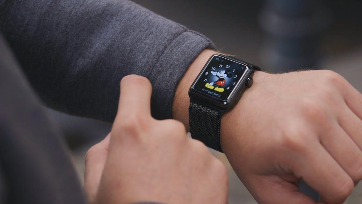 Владельцы смарт-часов Apple Watch жалуются наихработу