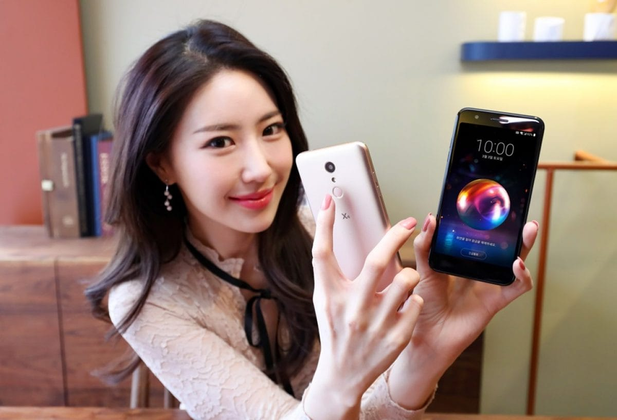 КомпанияLG показала новый дешевый смартфон X4