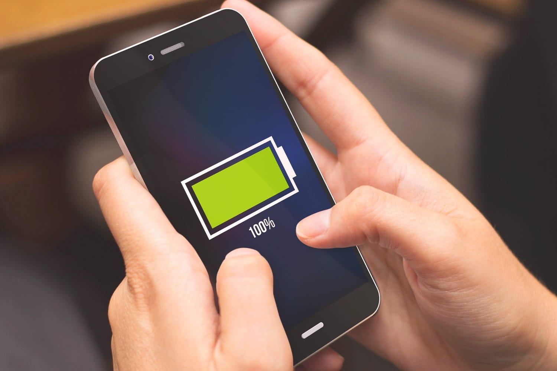 Razer Phone оказался единственным телефоном споддержкой Quick Charge 4