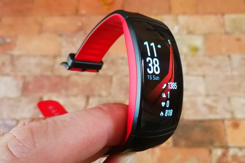Глава Xiaomi подтвердил браслет Mi Band 3 и назвал его цену