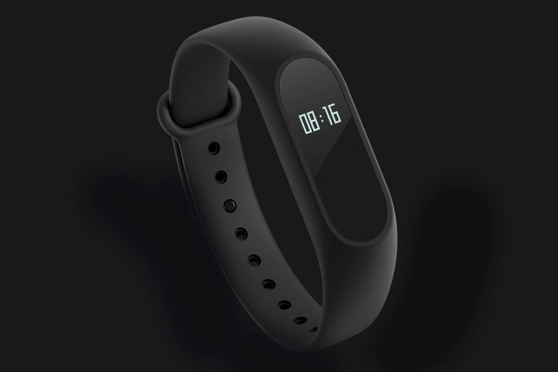 1 Глава Xiaomi случайно показал спортивный браслет Mi Band 3