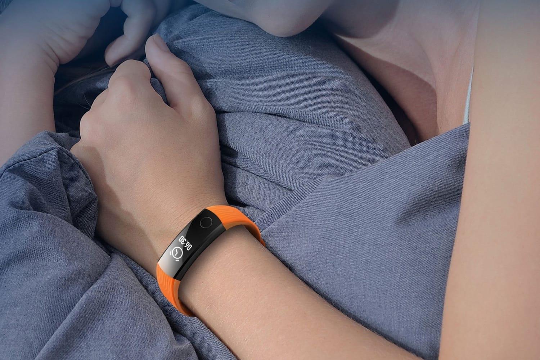 Китайская компания Xiaomi представила новый смарт-браслет ссенсорным дисплеем