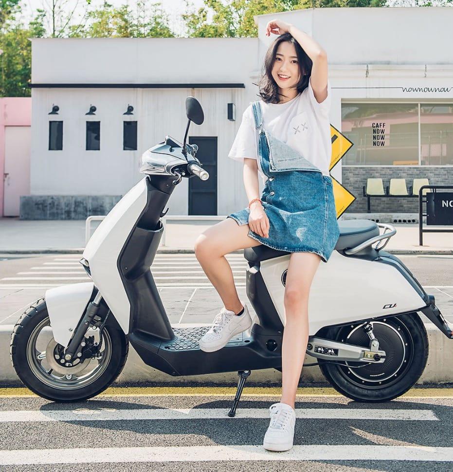 Xiaomi представила интеллектуальный электроскутер Super Soco Smart