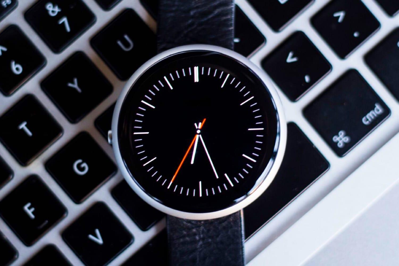 Apple может выпустить смарт-часы скруглым экраном