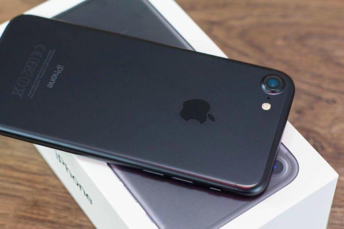 IPhone 8s будет продолжением молодежного iPhone 5c