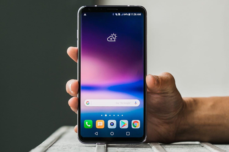 Втретьем квартале 2018 года компанияLG представит новый смартфонLG V40