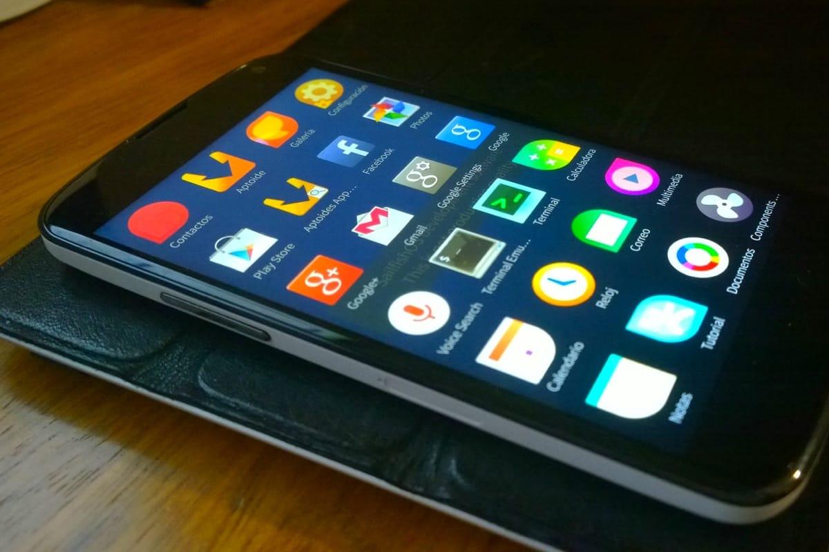«Ростелеком» предложил использовать вгосорганах российские мобильные телефоны