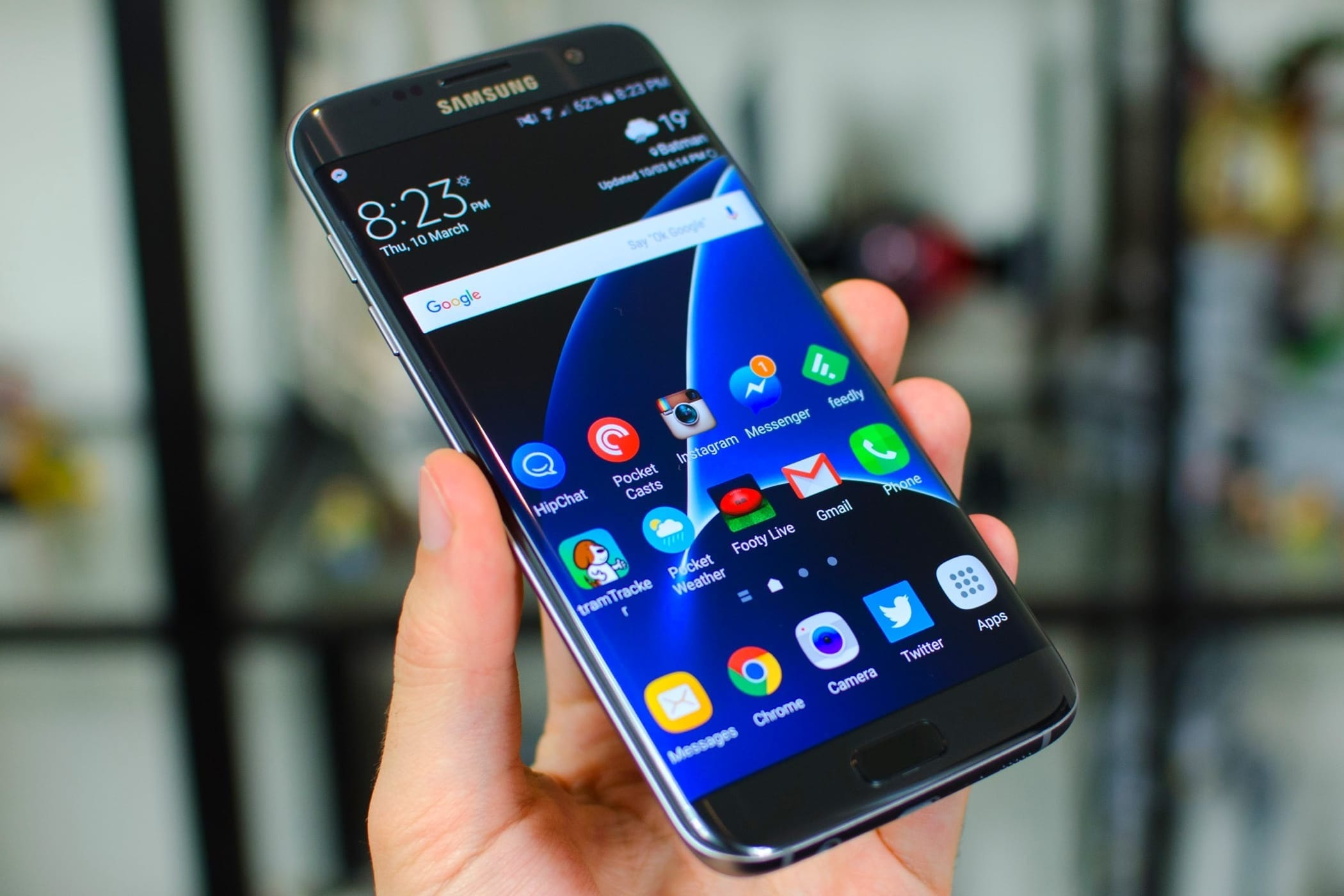Специалисты поведали, чем OnePlus 6 лучше iPhone X и Самсунг Galaxy S9