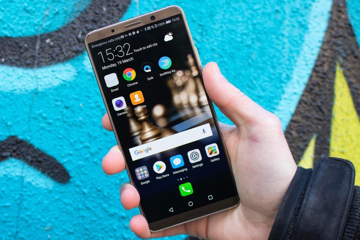 Компания Huawei впервый раз  возглавила продажи телефонов  в РФ , обогнав Самсунг