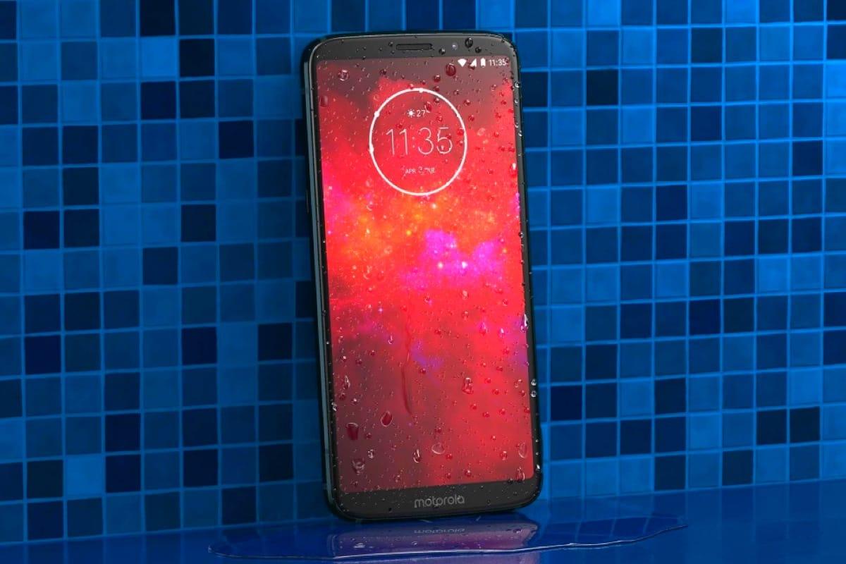 0 Анонс Motorola Moto Z3 Play – доступный смартфон с модульной конструкцией