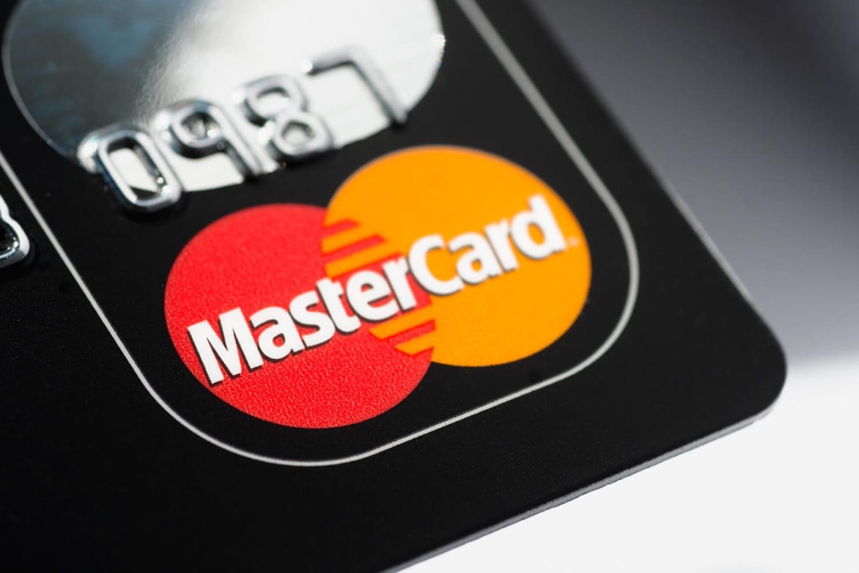 Google шпионит за собственниками карт MasterCard