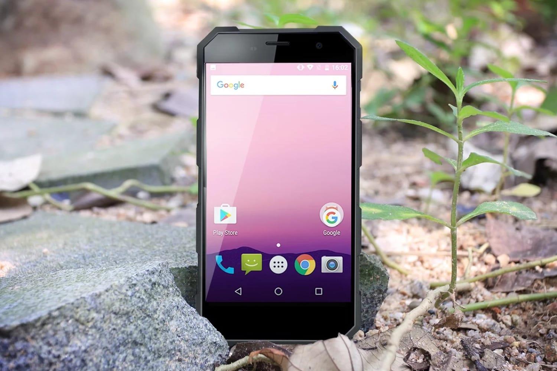 «Яндекс» и сберегательный банк предложат россиянам «внедорожные» мобильные телефоны