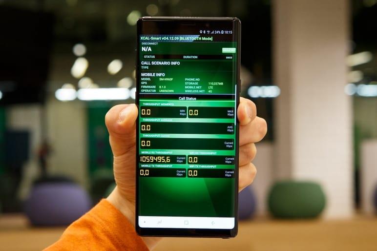 Самсунг представила смартфон счетырьмя модулями основной камеры