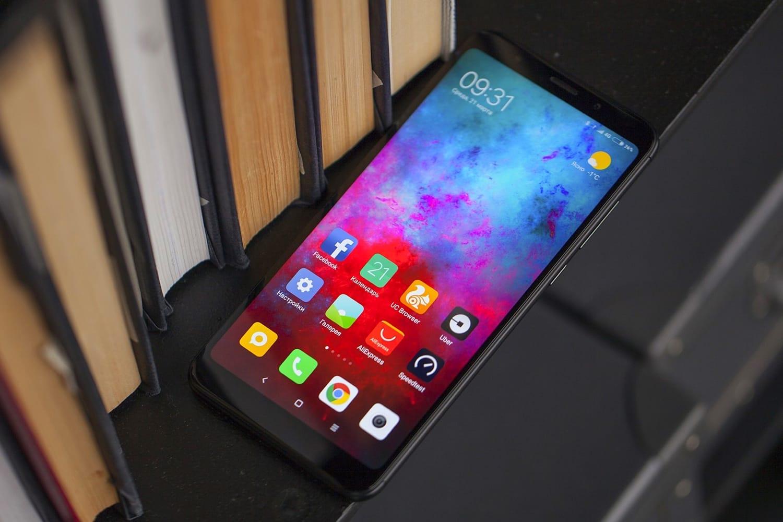 Смартфон Xiaomi Mi8 Pro в РФ оценили в 40 000 руб.