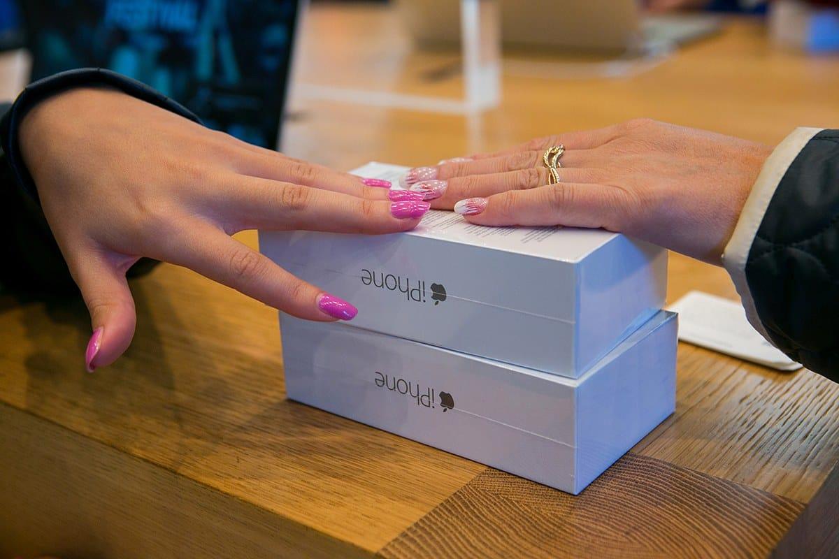 Apple сократила прогноз повыручке из-за падения продаж iPhone вКитайской народной республике