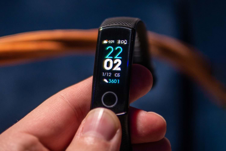 """Xiaomi Mi Band 4 – самый лучший в мире спортивный браслет"""""""